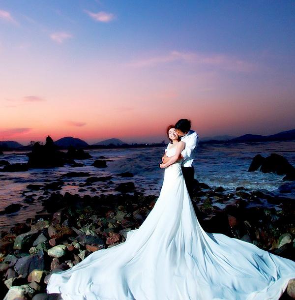 Lung linh ảnh cưới trên sắc màu Lan Châu