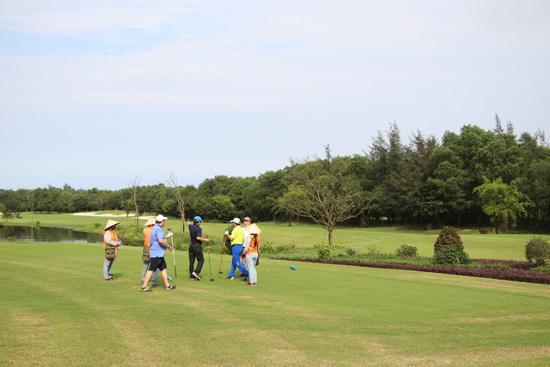 Sân golf 18 lỗ tiêu chuẩn quốc tế