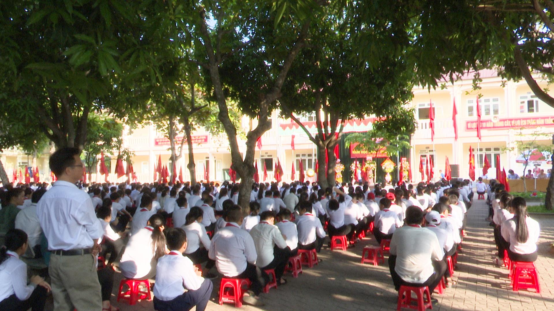 Hơn 790 học sinh Trường THCS Nghi Hương khai giảng năm học mới