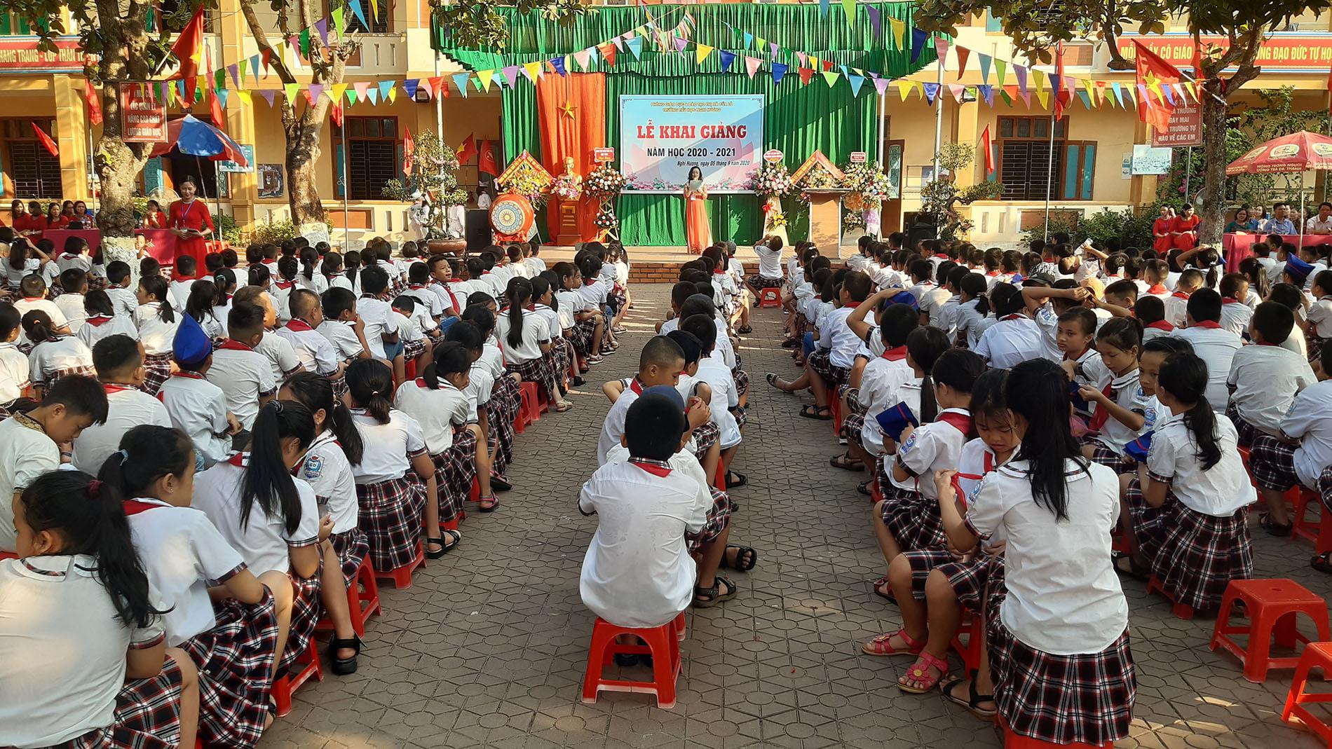 Trường tiểu học Nghi Hương: 969 em học sinh từng bừng tham gia lễ khai giảng năm học mới