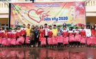 Trường THCS Nghi Hương trao quà tết cho học sinh nghèo